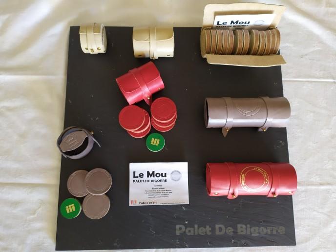 Etui de 3, 6 ou 12 palets. cuir beige, gris et rouge Ardoise 40x40 cm